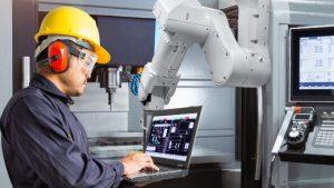 """""""Robot Kullanabilen İşsiz Kalmayacak"""""""